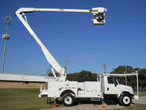 features of a bucket truck